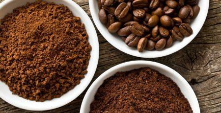 Thị trường tràn lan các sản phẩm cà phê rang xay.