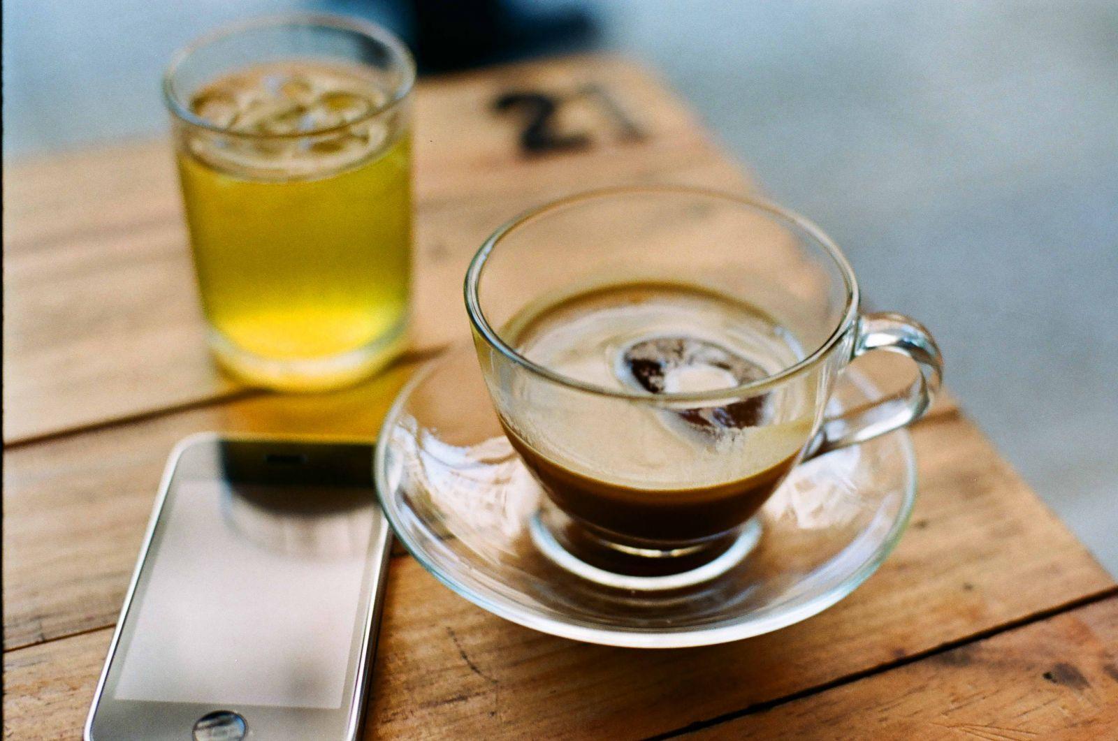 Li cà phê tại quán cà phê rang xay tại chỗ