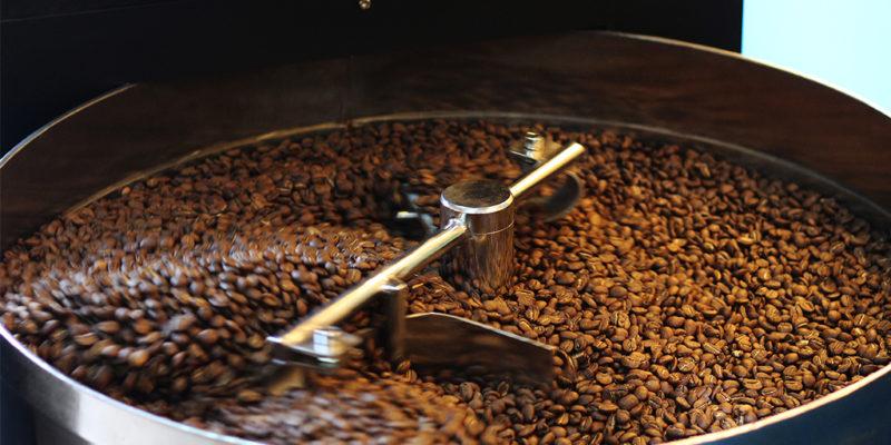 Khâu rang cà phê là rất quan trọng trong việc giữ hương vị đậm đà của hạt cà phê
