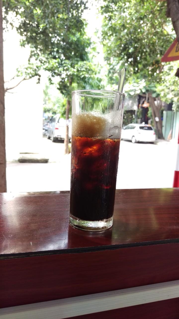 Ly cà phê đá nguyên chất thơm ngon