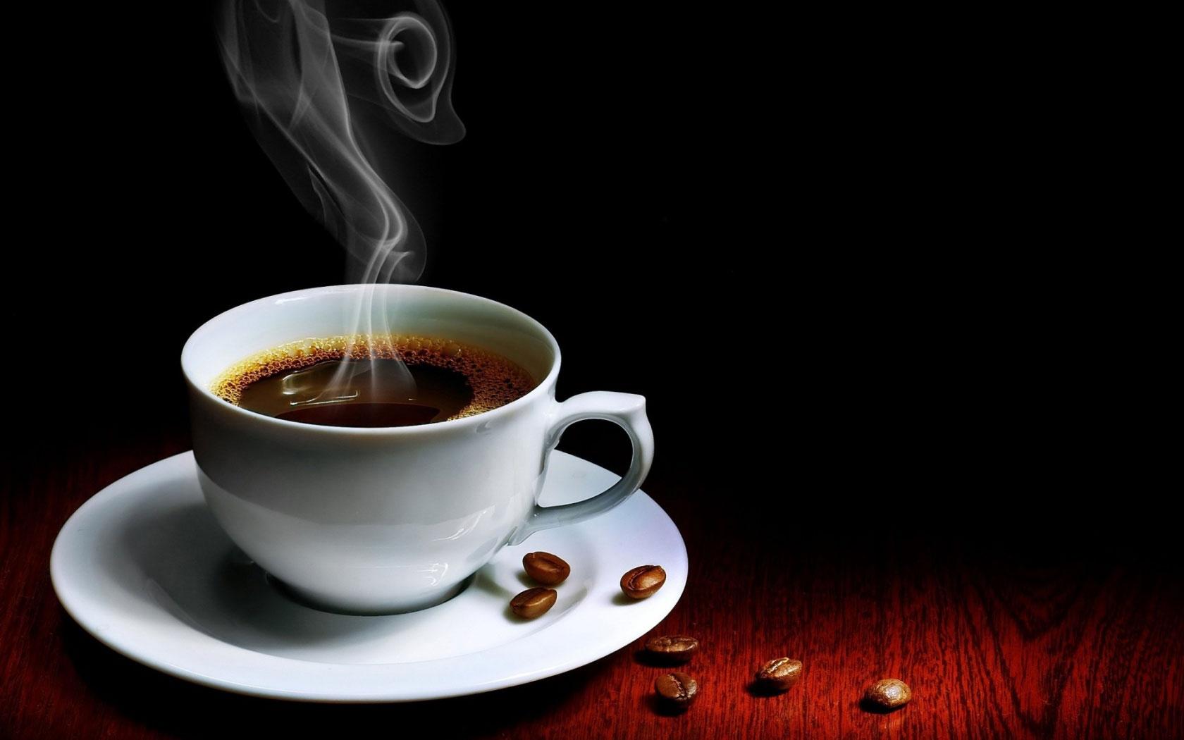 Cà phê nguyên chất không có màu đen sậm.