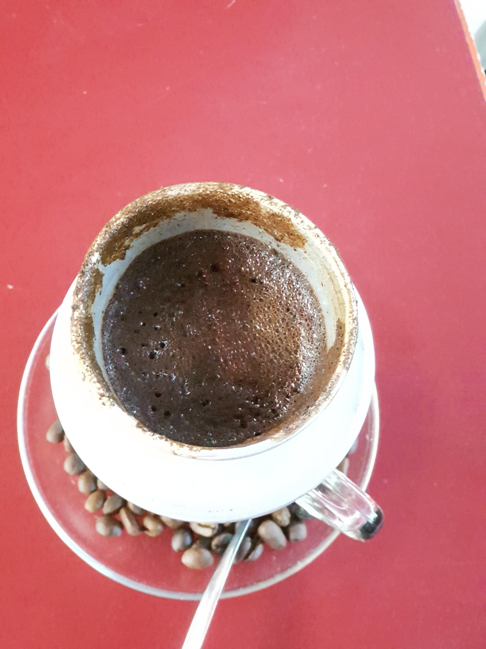 Nước dùng để pha chế cà phê sữa đá sẽ ảnh hưởng trực tiếp tới hương vị của ly cà phê