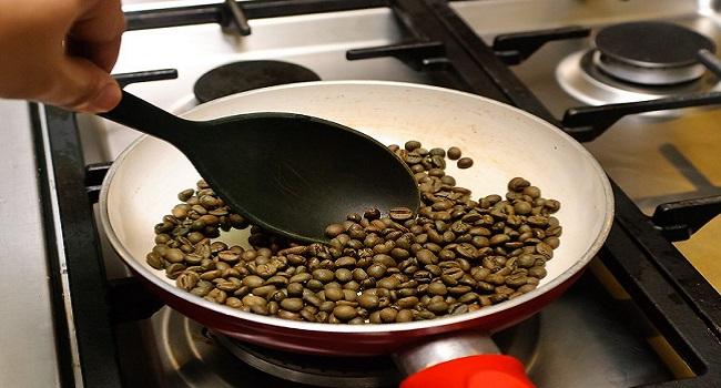 Kỹ thuật rang cà phê trên chảo.