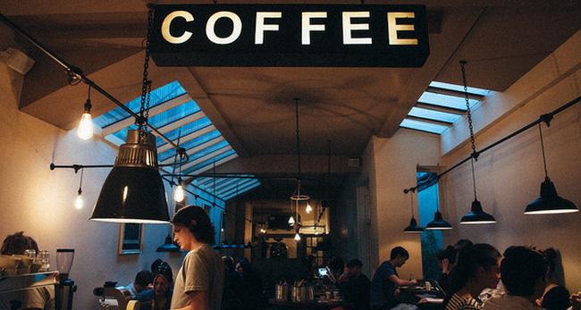 Mở quán cà phê nguyên chất.