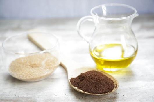 Tắm trắng toàn thân với cà phê và dầu oliu