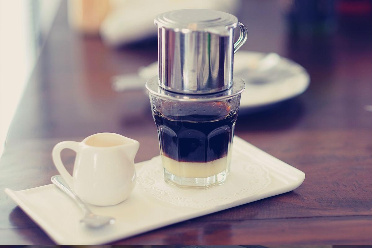 Sữa pha cùng cà phê