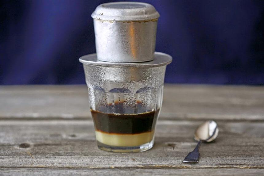 Ly cà phê sữa đá thơm ngon đúng điệu