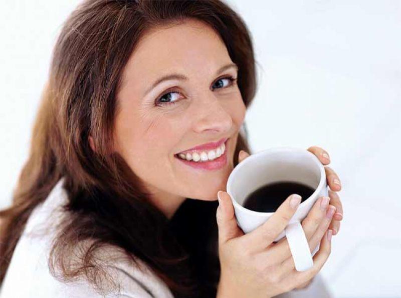 Uống cà phê đúng cách giúp phụ nữ có được thân hình thon gọn