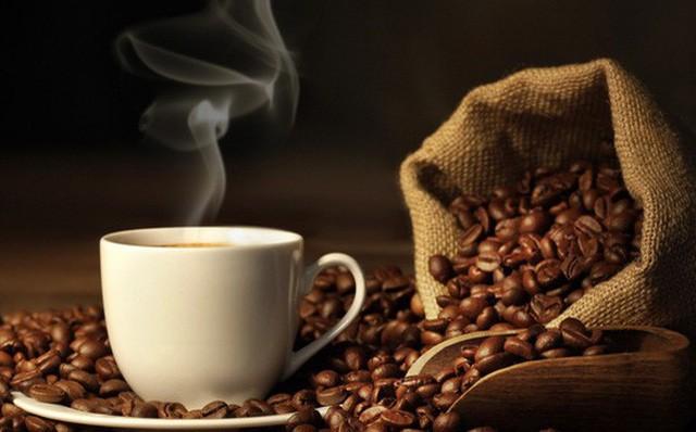 Khi uống cà phê bạn sẽ cảm nhận được vị đắng chát của cà phê ở đầu lưỡi