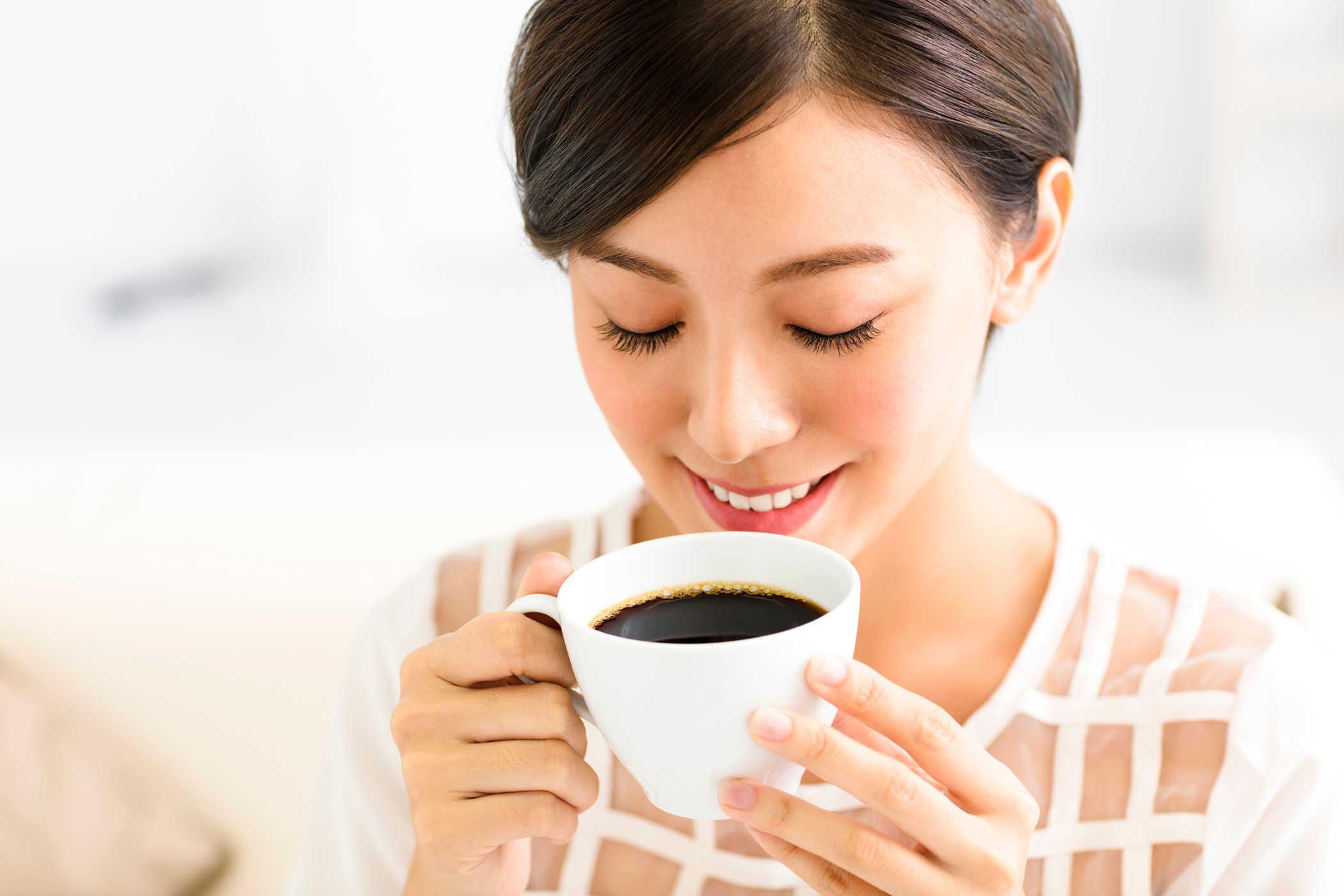 Nữ giới uống nhiều cà phê có thể bị vô sinh